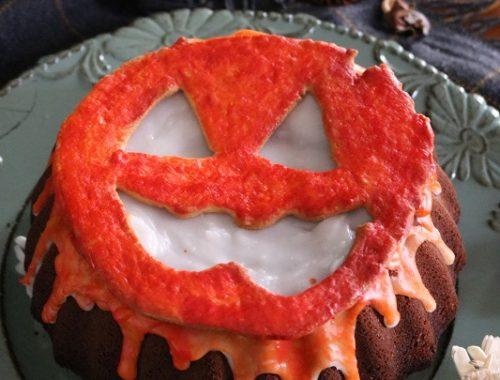 halloween bund cake